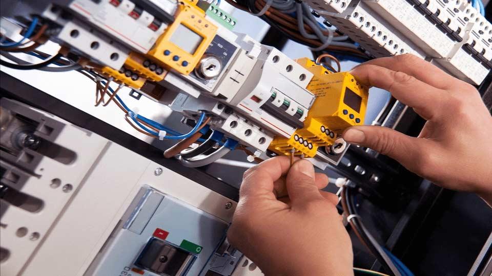 instalatii electrice tablou electric proiectare autorizare isu avizare isu executie instalatii electrice disjunctor generator electric grup electrogen instalatii paratrasnet instalatii curenti tari priza de pamant electrozi prevectro PDA platbanda